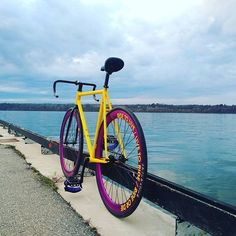 We are a Social App dedicated to #Fixie & #SingleSpeed bikes on Smartphone! Join us share some good stuff and lets build that Community together   Posted by @brxttz #fixedgear #fixieapp #fixieporn #bike #ride #bicycle #trackbike #biking #fixielife #fixedgearbikes #fixieculture #TrackStand #velo by fixieapp