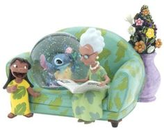 Welcome to the Collectors Guide to Disney Snowglobes. Information on over 2900 Disney snow globes. Lilo En Stitch, Disney Stitch, Lelo And Stich, Disney Music Box, Unicorn Snow Globe, Disney Snowglobes, Stitch And Angel, Cute Stitch, I Love Snow