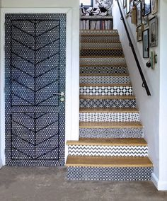 Discover staircase design ideas on HOUSE - design, food and travel by House & Garden, including this tiled staircase Tiled Staircase, Tile Stairs, Staircase Design, Wallpaper Staircase, Mosaic Stairs, Style At Home, Interior And Exterior, Interior Design, Hallway Furniture