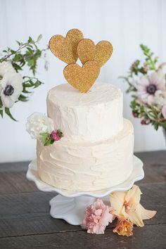 GOLD or SILVER glitter heart wedding cake topper door emilysteffen Wedding Cake Toppers, Wedding Cakes, Cupcake Toppers, Wedding Sweets, Sweet 16 Cakes, Classic Cake, Rustic Cake, Diy Cake, Cake Toppings