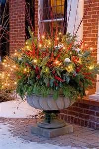 Celebrate the most exciting and cherished holiday of the entire year with Gorgeous Christmas Floral Arrangements that bring nature indoors and set a mood of generosity and appreciation. Christmas Urns, Outdoor Christmas Decorations, Christmas Home, Christmas Lights, Christmas Holidays, Christmas Wreaths, Thanksgiving Holiday, Family Holiday, Christmas Lyrics