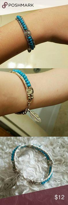 Bohemian style turquoise bead leaf pendant bracele Has a claw claspt Jewelry Bracelets