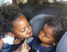 naturalhairqueens:  awwww how adorable!