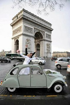 Drove in a car like this one around l'Arc de Triomphe on my first trip to Paris when I was 18 years old! Beautiful Paris, I Love Paris, Beautiful Things, Parisian Wedding, Triomphe, Paris City, Paris Travel, Belle Photo, Paris France