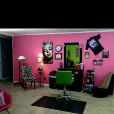 Split Ends Salon, located in Pickwick