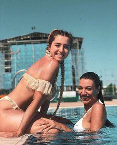 Mimi y Ana Guerra Famous Photos, Trap Music, Amai, Summer Photos, Julia, Cute Gay, Aesthetic Photo, Perfect Body, Girl Crushes