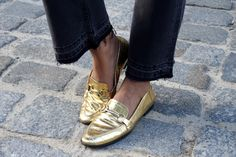 Black & Golden | fashionboho.com Loafers Men, Summer Time, Personal Style, Oxford Shoes, Dress Shoes, How To Wear, Black, Fashion, Moda