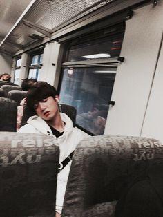 Jungkook ❤ 지민의시선 / JiminsSight. Jimins picture (view) of Kookie. Jikook #BTS #방탄소년단
