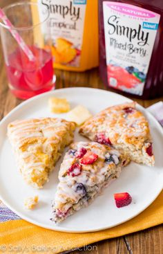 Strawberry-Sour Cream Scones With Brown Sugar Crumble | Scones (Sweet ...