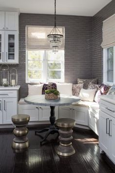 Small Kitchen Nook Table and Chairs. 20 Small Kitchen Nook Table and Chairs. 22 Breakfast Nook Designs for A Modern Kitchen and Cozy Kitchen Benches, Kitchen Decor, Kitchen Ideas, Kitchen Seating, Kitchen Stools, Diy Kitchen, Kitchen Banquette, Design Kitchen, Kitchen Furniture