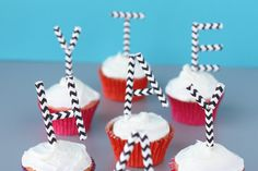 Easy monogram cupcake toppers on onecharmingparty.com #monogramcupcaketoppers #easycupcaketoppers