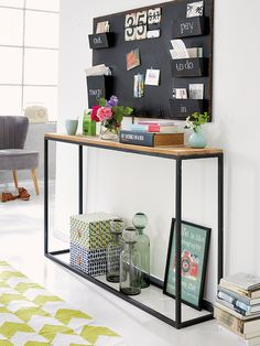 Best Modern Entryway Ideas With Bench Modern Entryway, Entryway Ideas, Modern Entrance, Entrance Hall, Entryway Storage, Entryway Console, Console Table, Steel Furniture, Home Organization