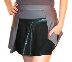 SparkleSkirts' Zircon SparkleTech, running skirts that fit right, look fantastic, and hold gear. Undershorts are GUARANTEED not to ride up!