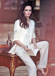 The Edit by Net-A-Porter May 2014 A True Modern Classic Model Eva Green Photographer David Bellemere Styling Natalie Brewster net-a-porter Most Beautiful Women, Beautiful People, Actress Eva Green, Photo Portrait, French Actress, Glamour, Celebs, Celebrities, Woman Crush