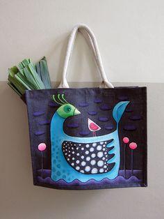 Sandrine la Sardine, alias Sandrine Herlin ! Diy Sans Couture, Coin Couture, Diy Embroidery Crafts, Fabric Crafts, Diy Tote Bag, Cute Tote Bags, Diy Broderie, Painted Bags, Jute Bags