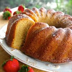 White Wine Pound Bundt Cake