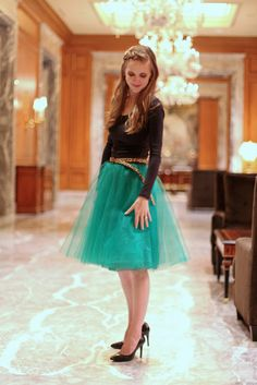 Make your own tulle skirt in about an hour (and for under $25!) @Lori Bearden Bearden Bearden Bearden Bearden Rister