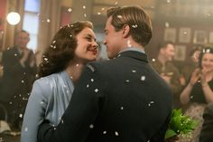 Image of Brad Pitt and Marion Cotillard in Allied (2016) (6)