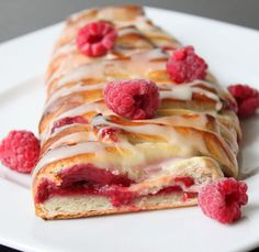 Make this raspberry pastry for breakfast.