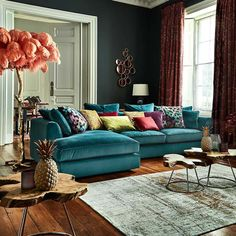 Eclectic Living Room Pillows - Comfy Eclectic Master Bedroom Decor Ideas and Remodel. Corner Sofa Living Room, Blue Living Room Decor, Colourful Living Room, Eclectic Living Room, Living Room Modern, Living Room Sofa, Interior Design Living Room, Living Room Designs, Bedroom Decor