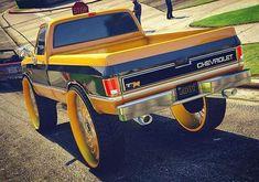 Drugs make you do this Custom Chevy Trucks, Chevy Pickup Trucks, Chevy Pickups, Gmc Trucks, Diesel Trucks, Cool Trucks, Custom Cars, Redneck Trucks, Bronco Truck