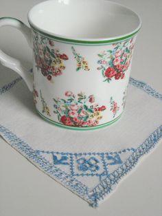 Vintage linen embroidered handkerchiefs