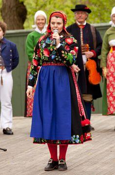 Book-release-Scandinavian-Folklore.35  Boda in dalecarlin  www.folklorefashion.durantextiles.com