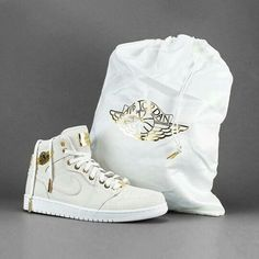 new york d727a 2f501 Incredible Packaging on the 24k Gold Air Jordan 1