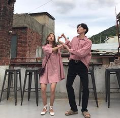 Find images and videos about style, pink and couple on We Heart It - the app to get lost in what you love. Matching Couple Outfits, Matching Couples, Ulzzang Couple, Ulzzang Girl, Poses, Trendy Fashion, Korean Fashion, Fashion Fashion, Foto Best Friend