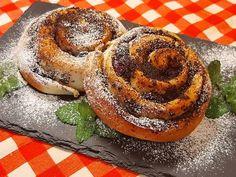 Meggyes- mákos csiga Bagel, Sweets, Bread, Desserts, Food, Deserts, Good Stocking Stuffers, Goodies, Dessert