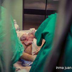 La vida es algo maravilloso. Tener la oportunidad de ver nacer a Manuel es algo que no puedo contar sólo con palabras.  #inmajuanfotografia  #inmajuan  #fotografia  #newborn  #onil #castalla #biar