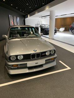 Architecture Design, Bmw E30 M3, Japanese Domestic Market, Bmw Wagon, Mercedes Sls, Bmw Love, Bmw Parts, Drifting Cars, Cars