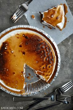 S'more Pie Recipe, I don't know who has the time to make this... But if I suddenly find myself with 5 hours of free time I know what I'll make!