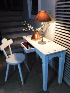 Ein vielseitig einsetzbares und wunderschönes Möbel im weißen Shabby-Style wird hier zum Kauf...,Sideboard,Shabby-chic, Vintage-Fundstück,Beistell-/Laptop-Tisch, in Schleswig-Holstein - Kastorf