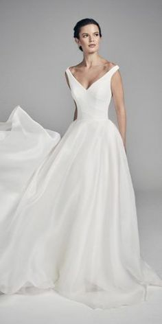 327 Best Wedding Gown Images In 2020 Wedding Dresses Wedding