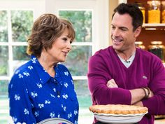 Home & Family - Recipes - Cristina's Lincoln: Apple Pie | Hallmark Channel