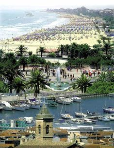La spiaggia di San Benedetto del Tronto - we traveled here. Interesting place the boardwalk is beautiful but not my favorite place.