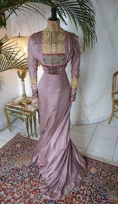 Art Nouveau Mauve Silk Afternoon or Reception Gown, ca. 1910