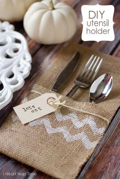 DIY Utensil Holder for your table setting   40 Genius No-Sew DIY Projects