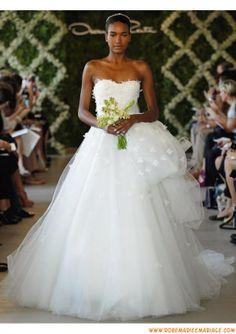 Belle robe de mariage 2013 blanche bustier princesse appliques tulle