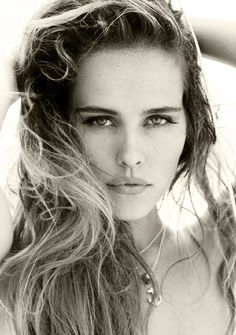 Isabel Lucas (1985) - Australian actress started out on Home And Away has since starred in Hollywood films such as Transformers, Day Breakers and Red Dawn. FACEBOOK 40K, TWITTER 3K, INSTA N/A.