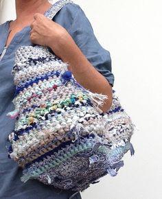 Een persoonlijke favoriet uit mijn Etsy shop https://www.etsy.com/nl/listing/527905374/handmade-duurzame-tas-van-recyclede