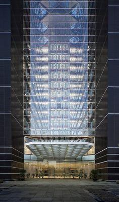 Gallery of China Diamond Exchange Center / Goettsch Partners - 4