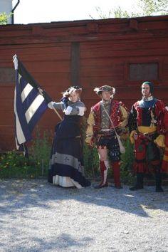 Proknekt poserar efter en marsch till Kapitelhusgården under Medeltidsveckan!