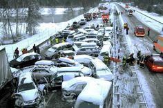 Gelo e vento, apocalisse in strada: raffica di incidenti in tutta Italia e uno schianto mortale. Prestate la massima attenzione - http://www.sostenitori.info/gelo-vento-apocalisse-strada-raffica-incidenti-tutta-italia-uno-schianto-mortale-prestate-la-massima-attenzione/275501