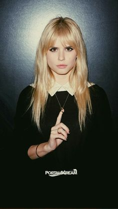 Imagem de scream and carlson young