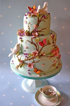 Sweet tiered cake with flowers & birds ❤