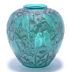 "AldoLeo ETSY store on Instagram: ""René Lalique Vase, design 1919 Auction value! £20,000 - 25,000 - - - Follow @love_retro_crafts - - - #renelalique #frenchglass #crystalglass #rarelalique #collectablelalique #antique #artdeco #circa1900 #manmadeglass"""