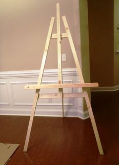 Lazy Liz on Less: Build a Cheap, Quick and Easy Artist Easel - diy painting easel plans Diy Easel, Wooden Easel, Diy Wedding Easel, Wood Projects, Woodworking Projects, Homemade Art, Diy Painting, Diy Art, Wood Crafts