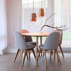 Related image Danish Modern, Bauhaus, Dining Chairs, Dining Room, Couch, Colorful Furniture, Creative Studio, Minimalist Design, Designer